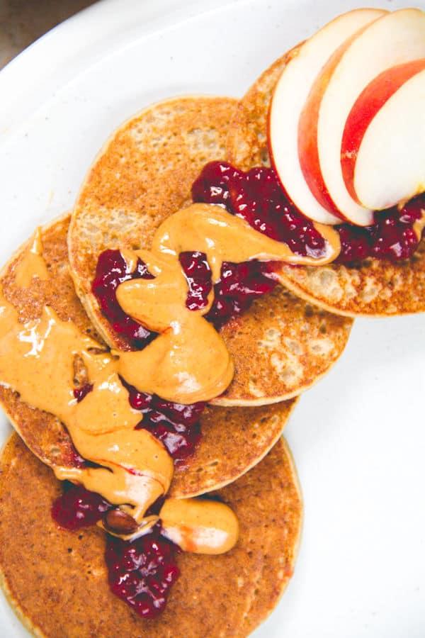 Easy 3-Ingredient Banana Pancakes
