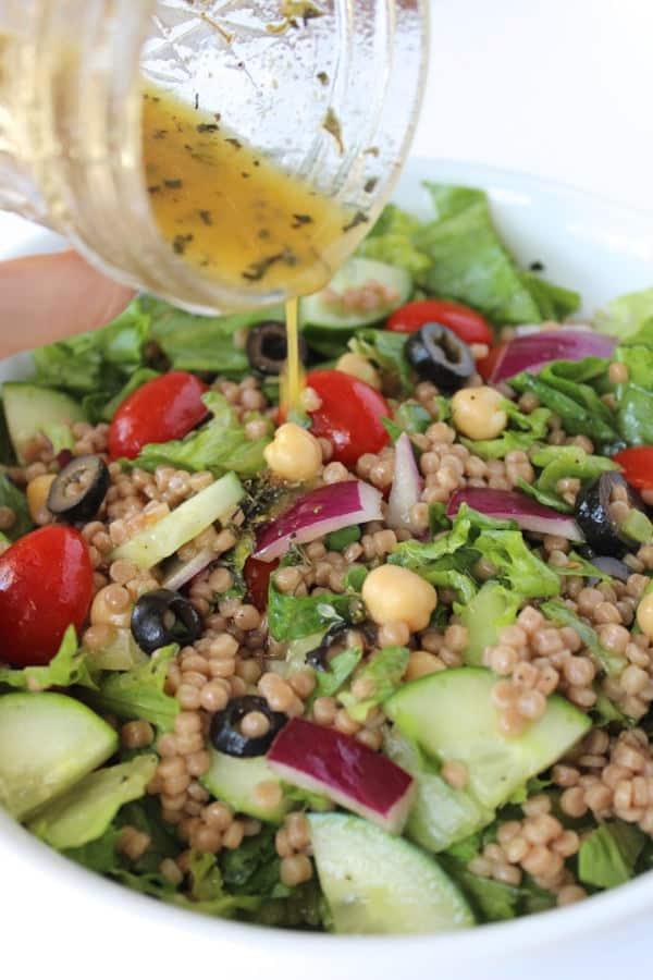 Easy Mediterranean Chopped Salad