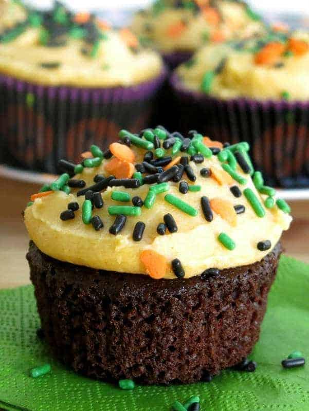 Easy Chocolate Pumpkin Cupcakes