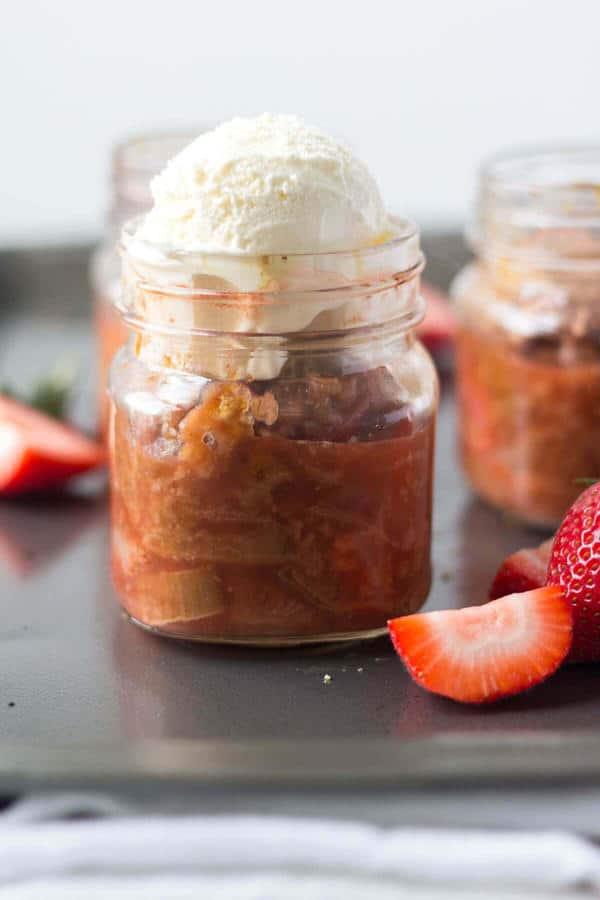 Strawberry Rhubarb Crisp (Gluten-Free)