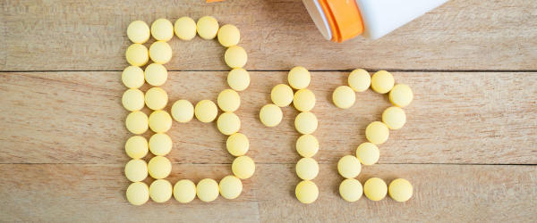 Vitamin B12 spelled with tablets