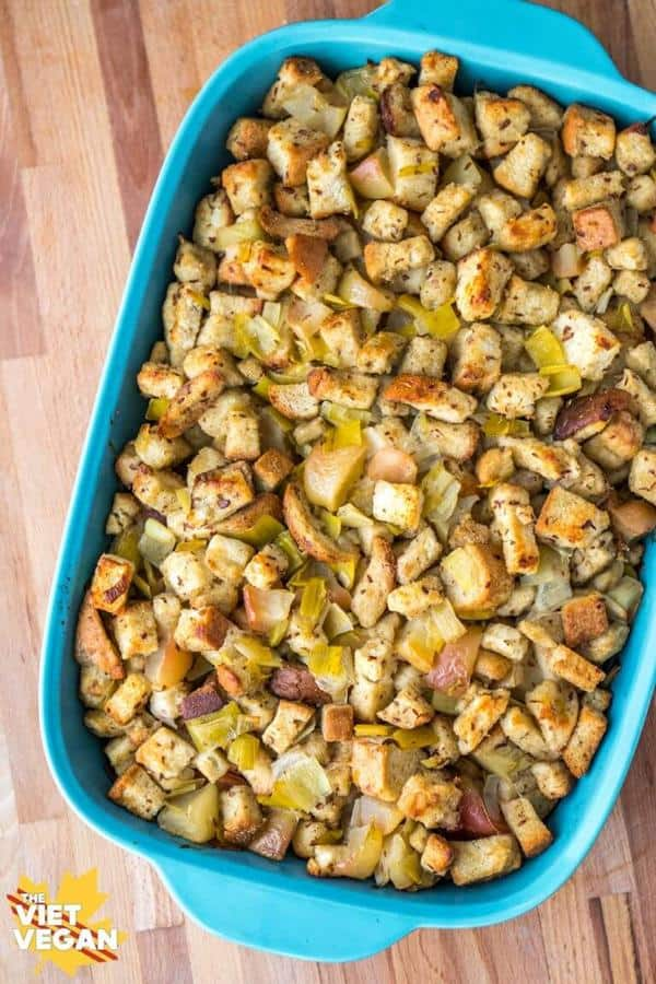 Easy Stuffing with Leek and Apples