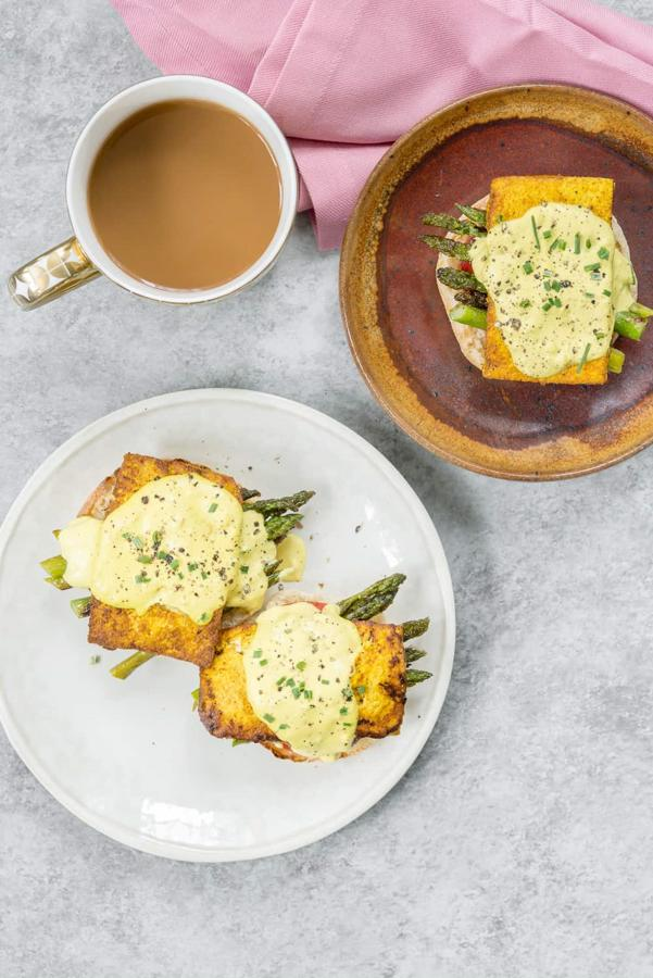 Vegan Eggs Benedict with Asparagus